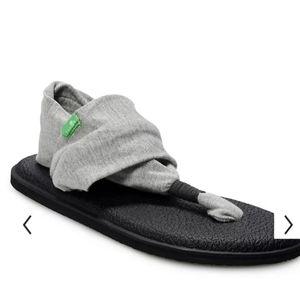 Sanuk sling 2 sandal sz 6/7